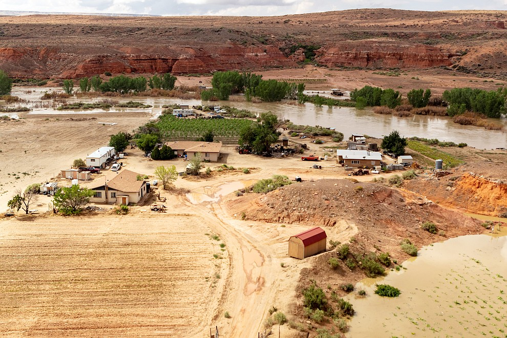 The Selestewa house east of the main village escapes the overflowing Moenkopi wash. (Gilbert Honanie/NHO)