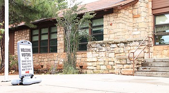 Grand  Canyon School  welcomes  teachers, students back to school photo