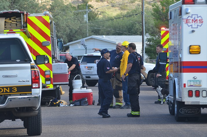 Firefighters and police respond to a house fire in Camp Verde on Friday, Aug. 20, 2021. (Vyto Starinskas/Independent)