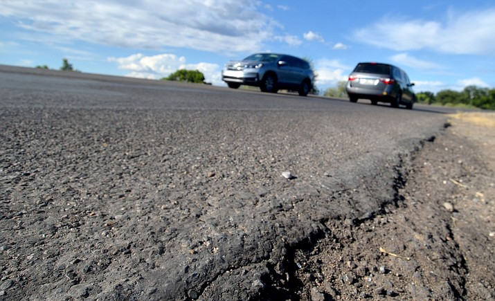 This section of Montezuma Highway seen Monday, Aug. 30, 2021, is slated to be repaved in September. (Vyto Starinskas/Independent)