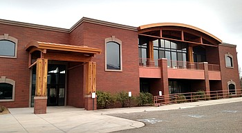 Cottonwood Council votes 6-1 to make $2.95M purchase of 'Rough Cuts' building for new city hall photo