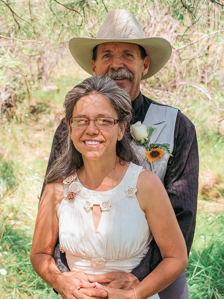 Cathy Epperson of Prescott, daughter of Ron and Epperson of Tucson, was married to Daniel Burnham of Salmon, Iowa, Sept. 4, 2021 at noon. Burnham is the son of Leroy and Kay Burnham of Chico, California. (Courtesy)