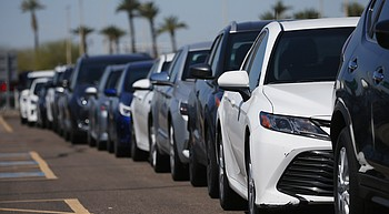 200K Arizona drivers getting refunds over public safety fee photo