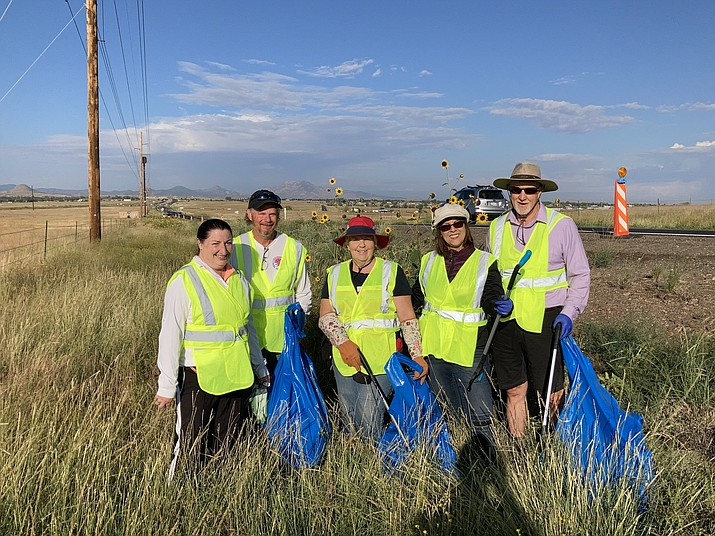 Volunteer groups working on State Route 89A in the Prescott area.  (Photo/ADOT)