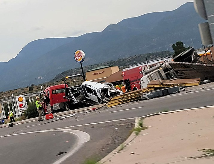Police and rescue crews clear the scene on State Route 260 near Interstate 17 in Camp Verde on Wednesday, Sept. 29, 2021. (Brittyn Cabral/Courtesy)
