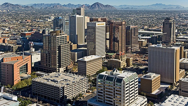 Phoenix has always been hot, but climate change is making Arizona's capitol city even hotter. (Photo by DPPed, cc-by-sa-3.0, https://bit.ly/3ByKUrG)