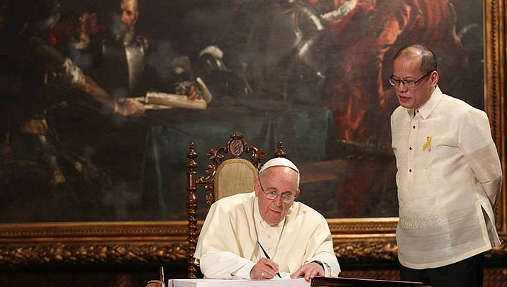 Pope Francis joined dozens of other world religious leaders in signing an appeal to governments to address climate change. (Photo by Malacanang Photo Bureau/Public domain)