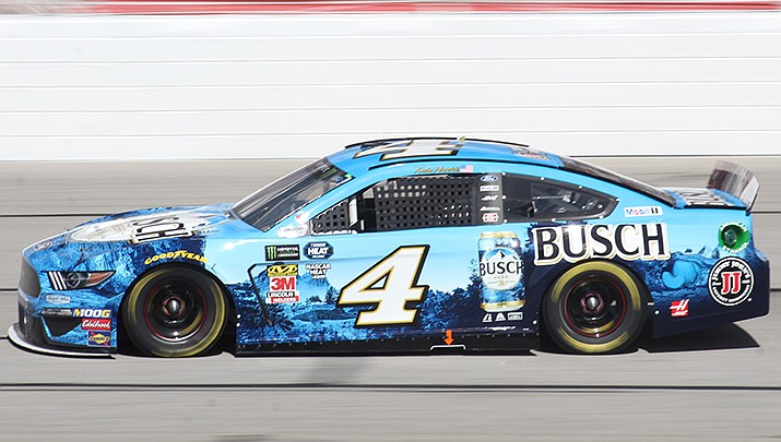 Former champion Kevin Harvick will be fighting to stay alive in the NASCAR playoffs when the NASCAR cup series races at the Roval at Charlotte Motor Speedway in Charlotte, North Carolina, on Sunday, Oct. 10. (Photo by Zach Catanzareti, cc-by-sa-2.0, https://bit.ly/2ZfLvhG)