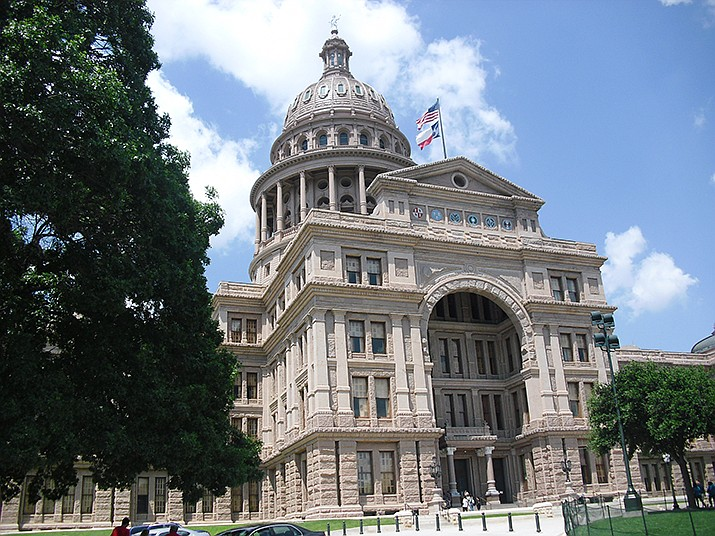 A new law banning nearly all abortions that was passed by the Texas Legislature is back in effect after a federal appeals court ruling on Friday, Oct. 8. The Texas state capitol building in Austin is pictured. (Photo by Airainix, cc-by-sa-3.0, https://bit.ly/3FusCdD)