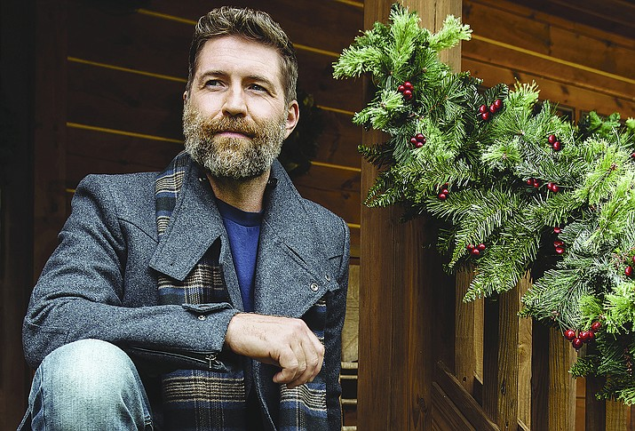 """YCPAC hosts a country vibe with an early Christmas present when Grammy/CMA nominee Josh Turner brings his unforgettable voice and his """"Holiday & The Hits"""" tour into Prescott for one remarkable Yuletide performance Dec. 2, 2021. (YCPAC/Courtesy)"""